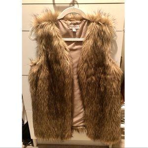 EUC ✨ Merona Faux Fur Vest